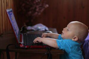 איך למנוע מהילדים להיחשף לתכנים לא הולמים ברשת