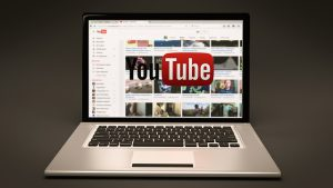 משפחה יוצרת: איך להקים ערוץ יוטיוב משפחתי מוצלח?